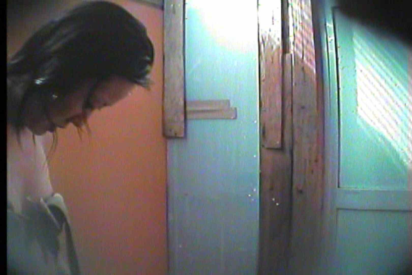 海の家の更衣室 Vol.17 シャワー  53Pix 32
