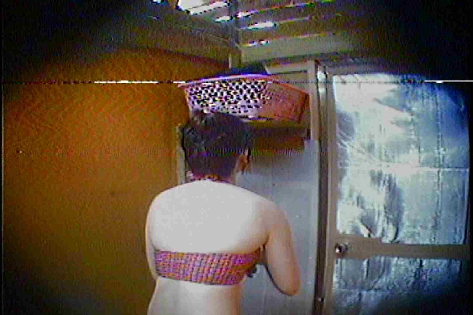 海の家の更衣室 Vol.37 OLハメ撮り  52Pix 10