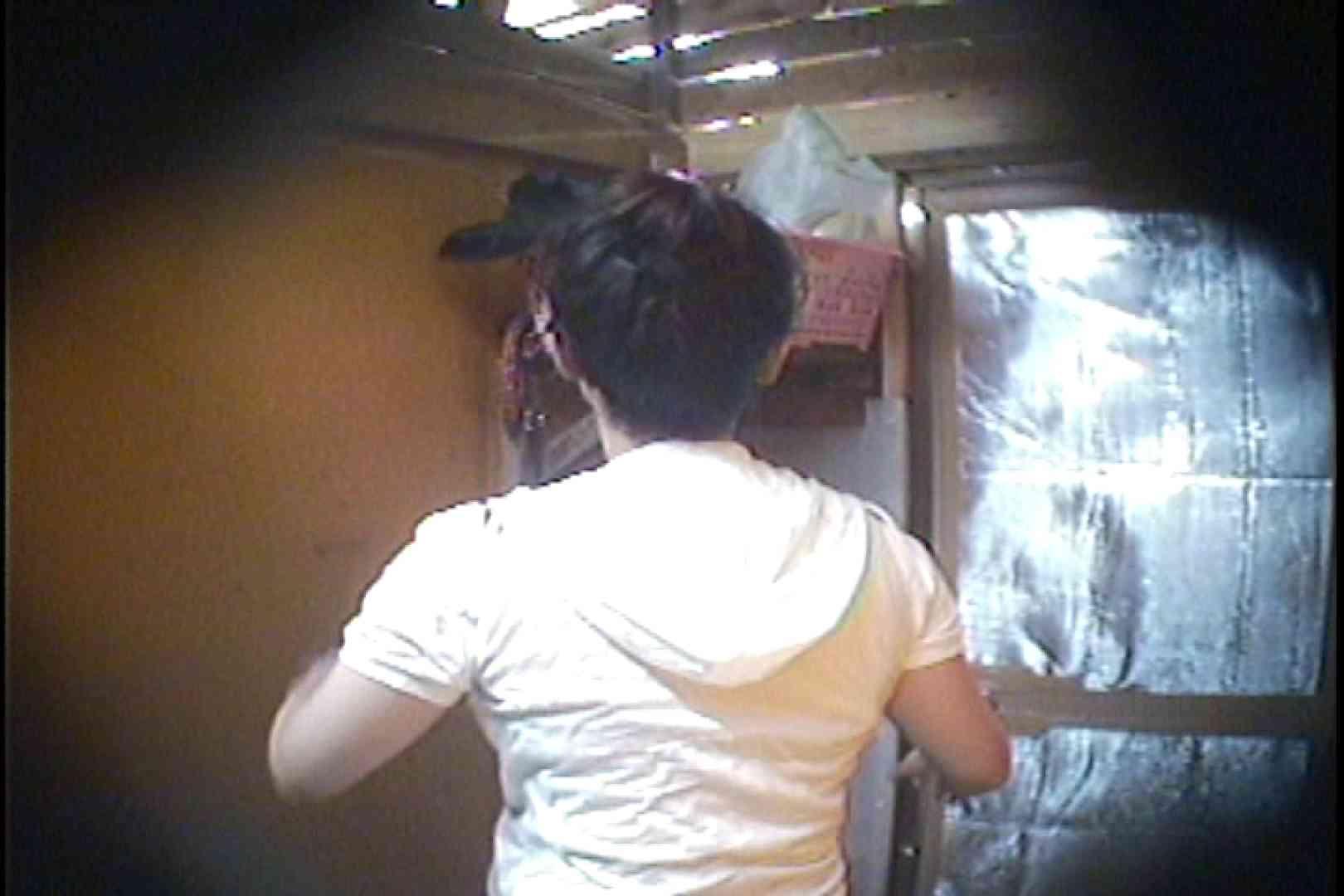 海の家の更衣室 Vol.37 OLハメ撮り  52Pix 52