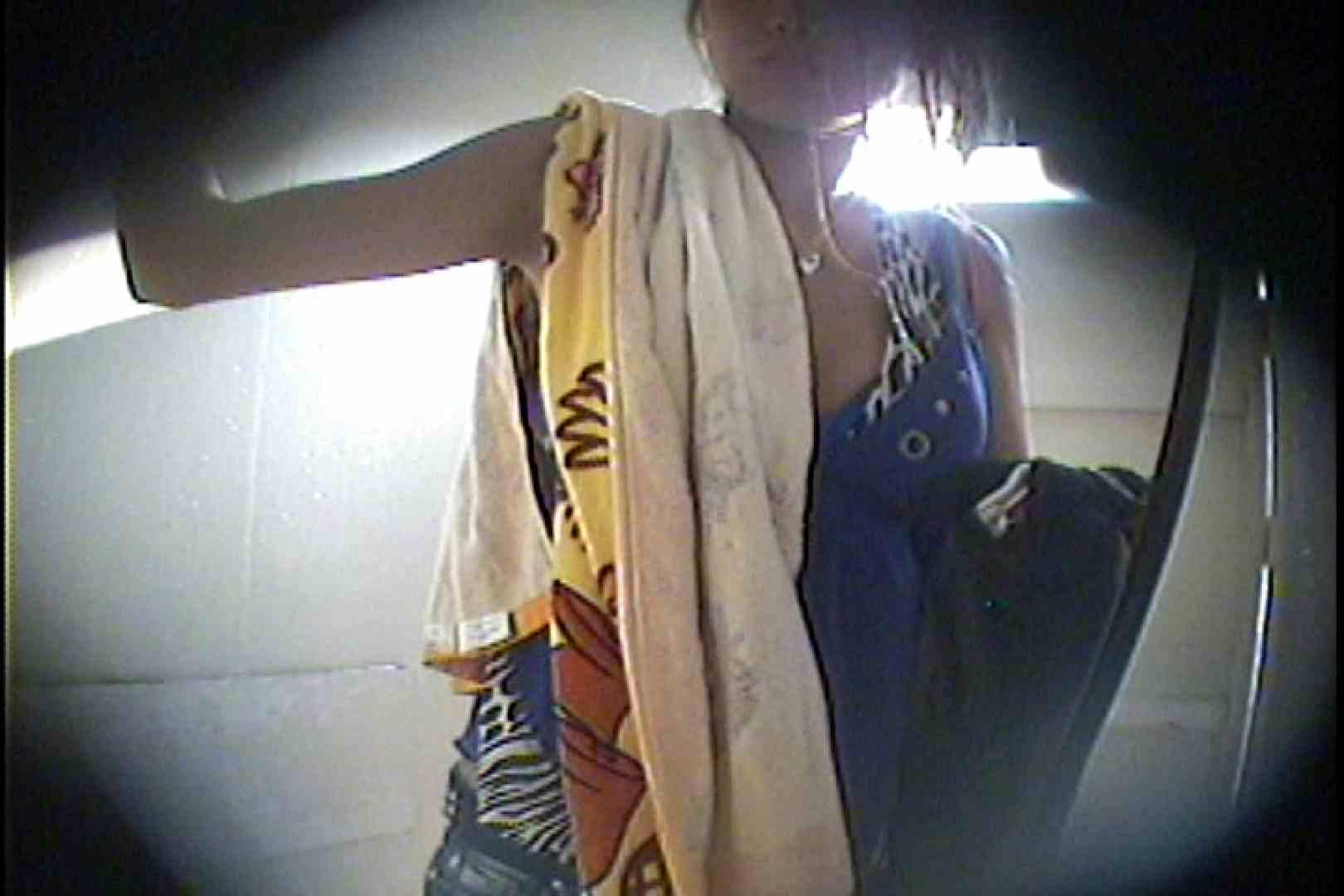 海の家の更衣室 Vol.43 シャワー  98Pix 21