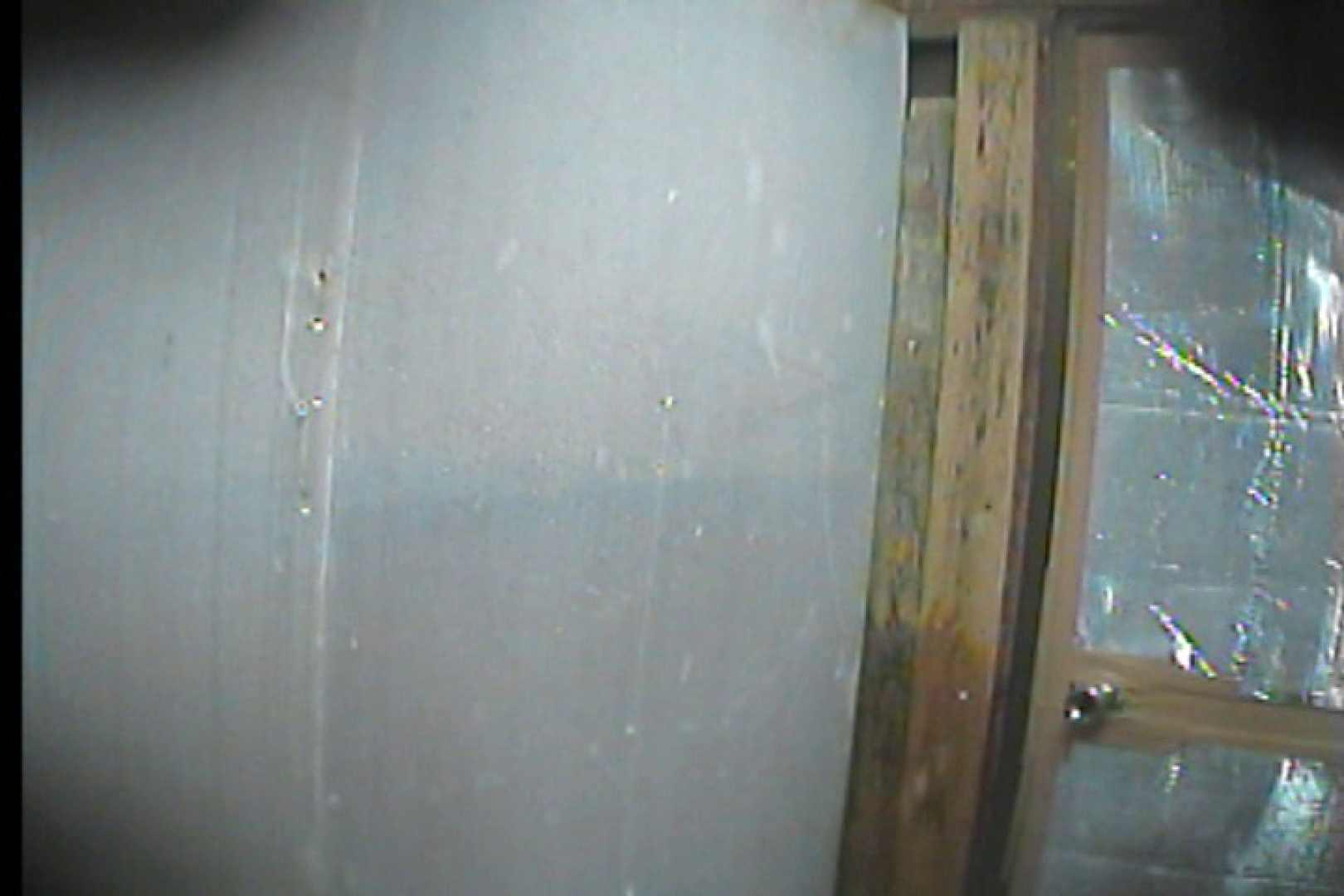 海の家の更衣室 Vol.58 シャワー  34Pix 27