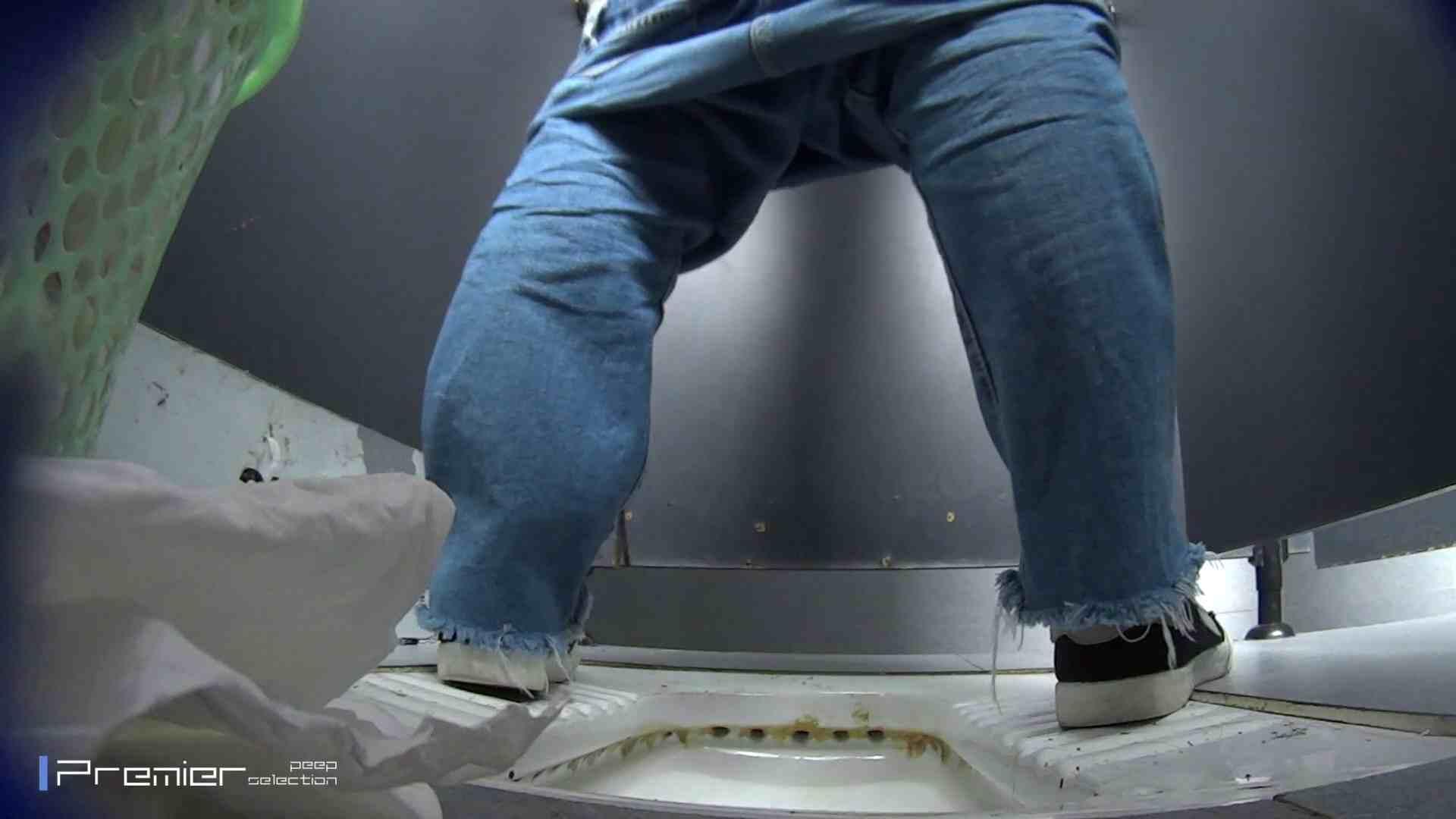 滴り落ちる聖水 大学休憩時間の洗面所事情42 美女ハメ撮り  98Pix 56