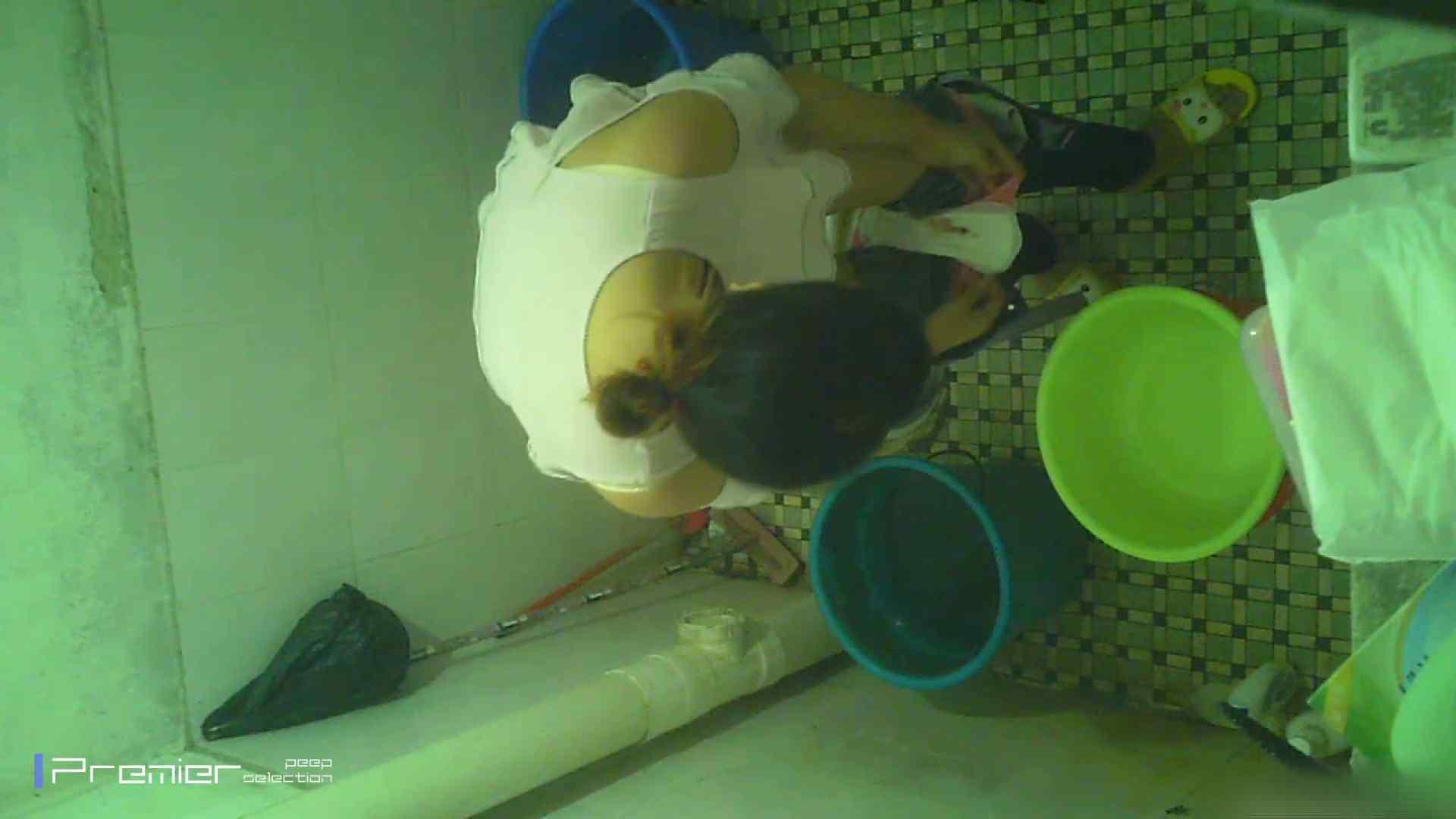 美女の痴態に密着!洗面所で入浴!  パンチラ  70Pix 4