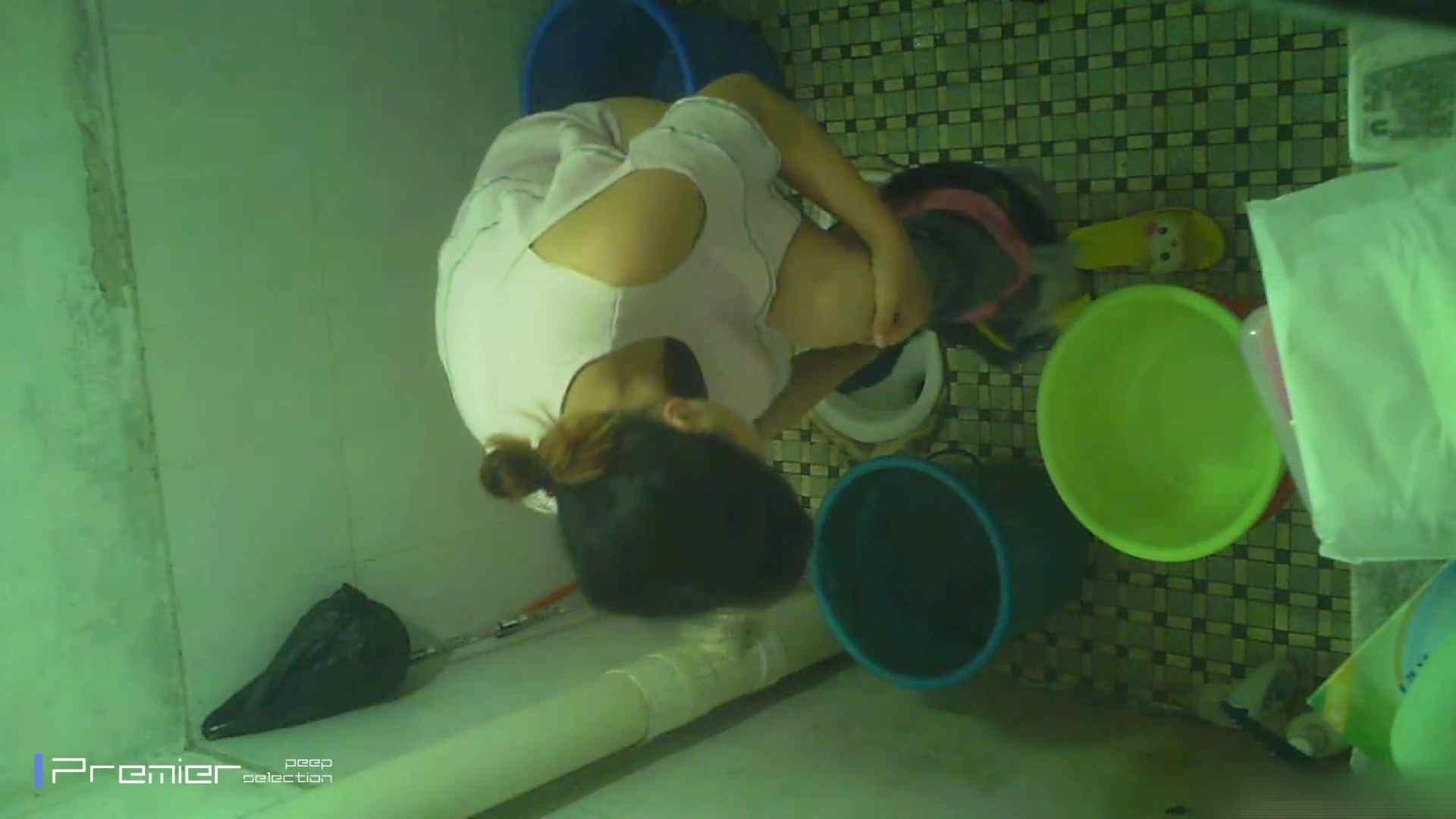 美女の痴態に密着!洗面所で入浴!  パンチラ  70Pix 23