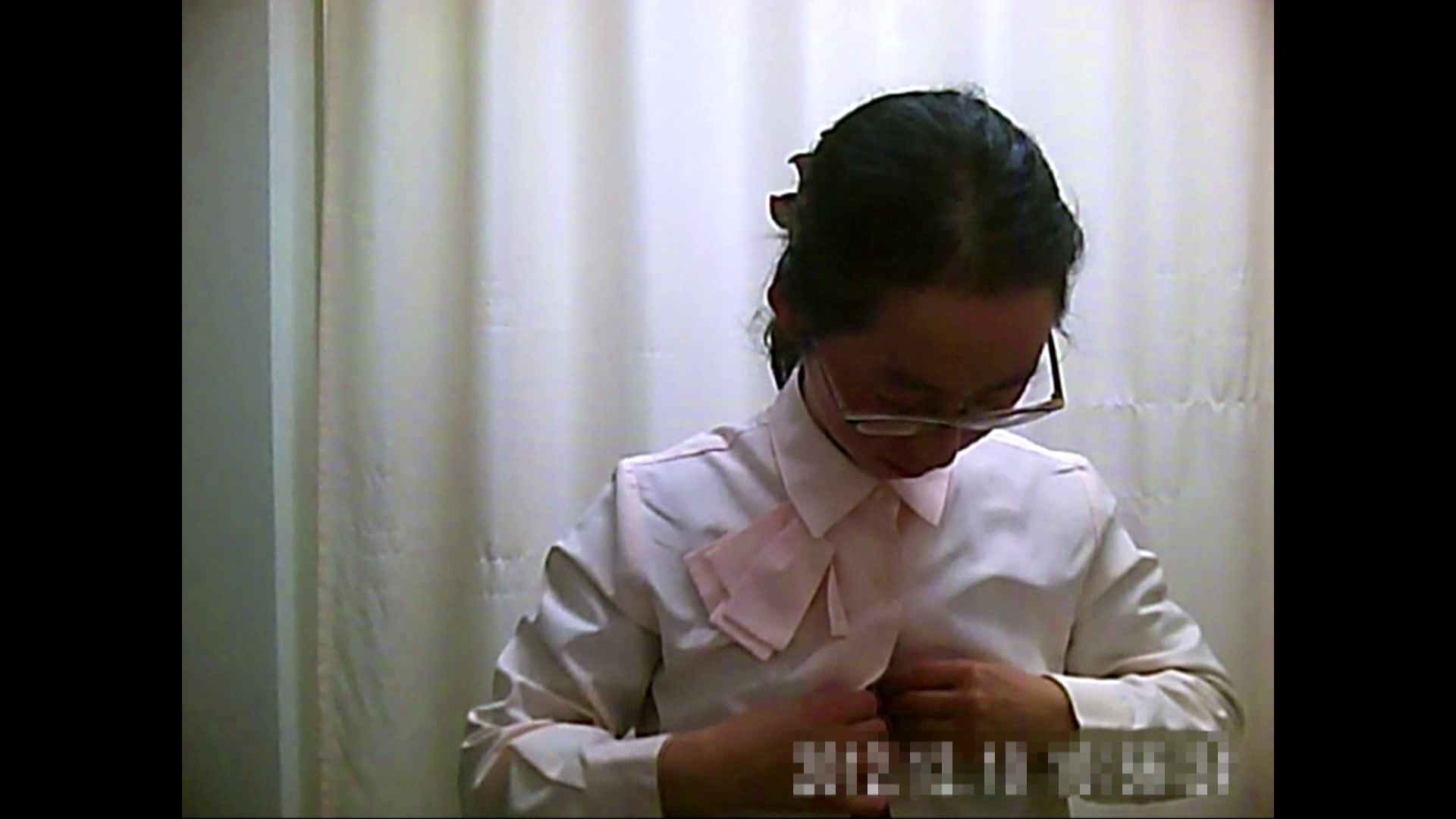 元医者による反抗 更衣室地獄絵巻 vol.123 OLハメ撮り  65Pix 44
