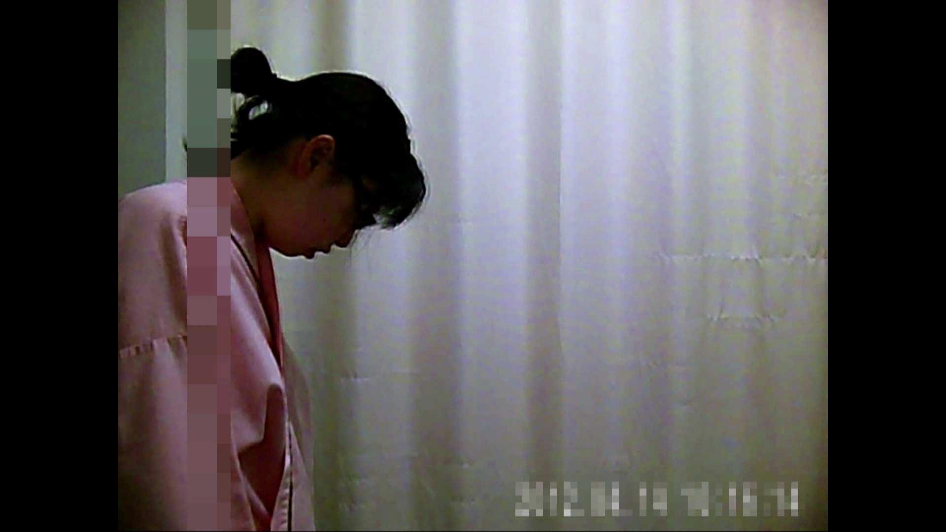 元医者による反抗 更衣室地獄絵巻 vol.018 OLハメ撮り  69Pix 69