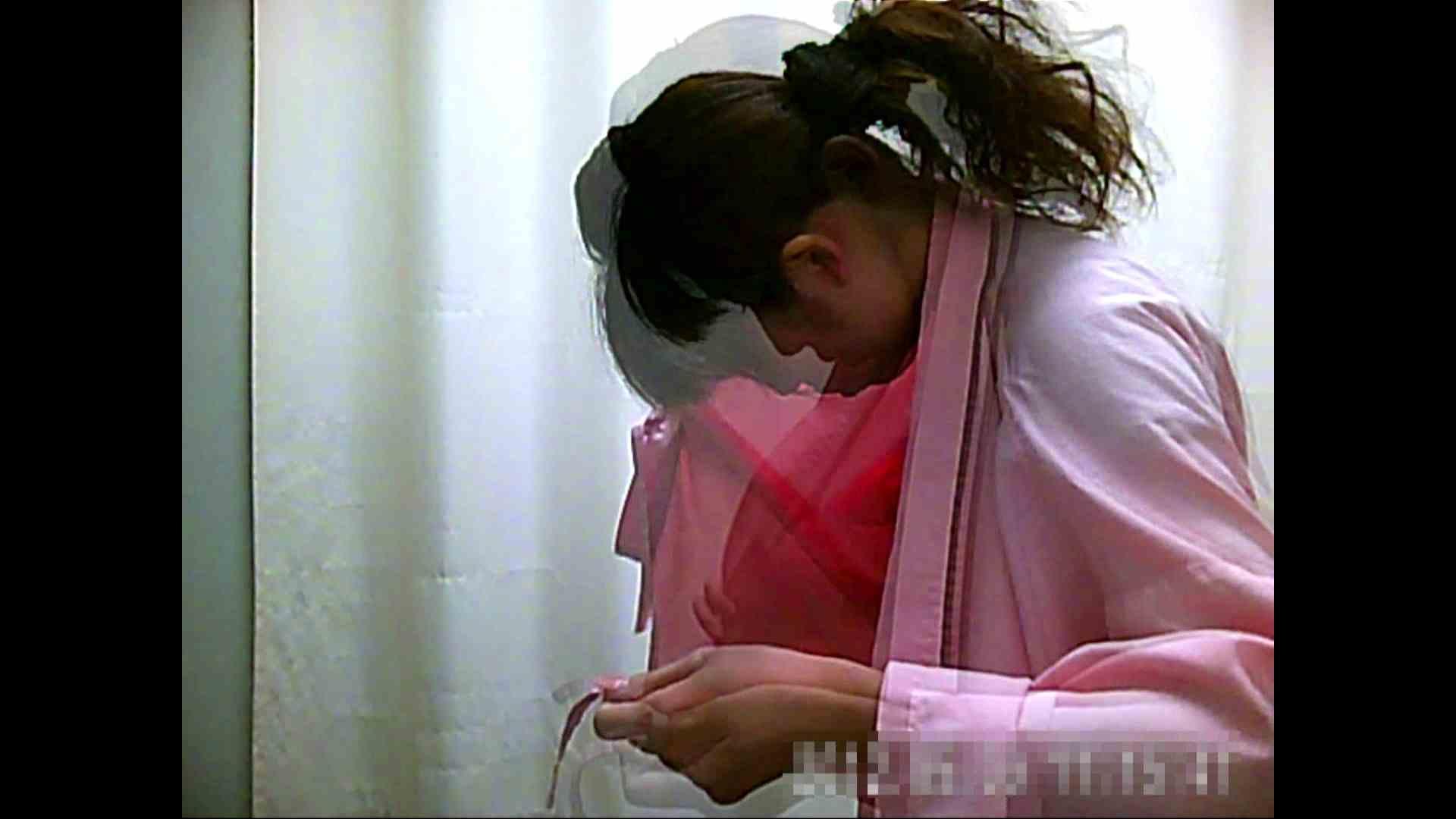 元医者による反抗 更衣室地獄絵巻 vol.002 OLハメ撮り  40Pix 32
