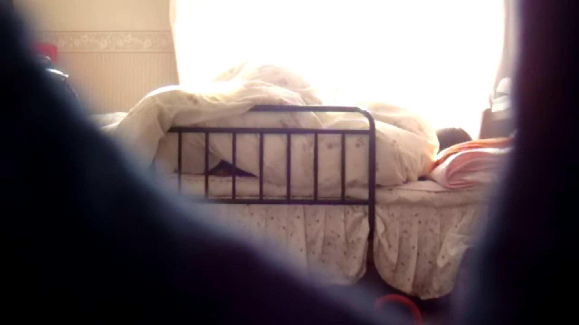 vol.4 まどかの帰宅後の部屋、ベッドで何かが始まります。 OLハメ撮り  113Pix 113