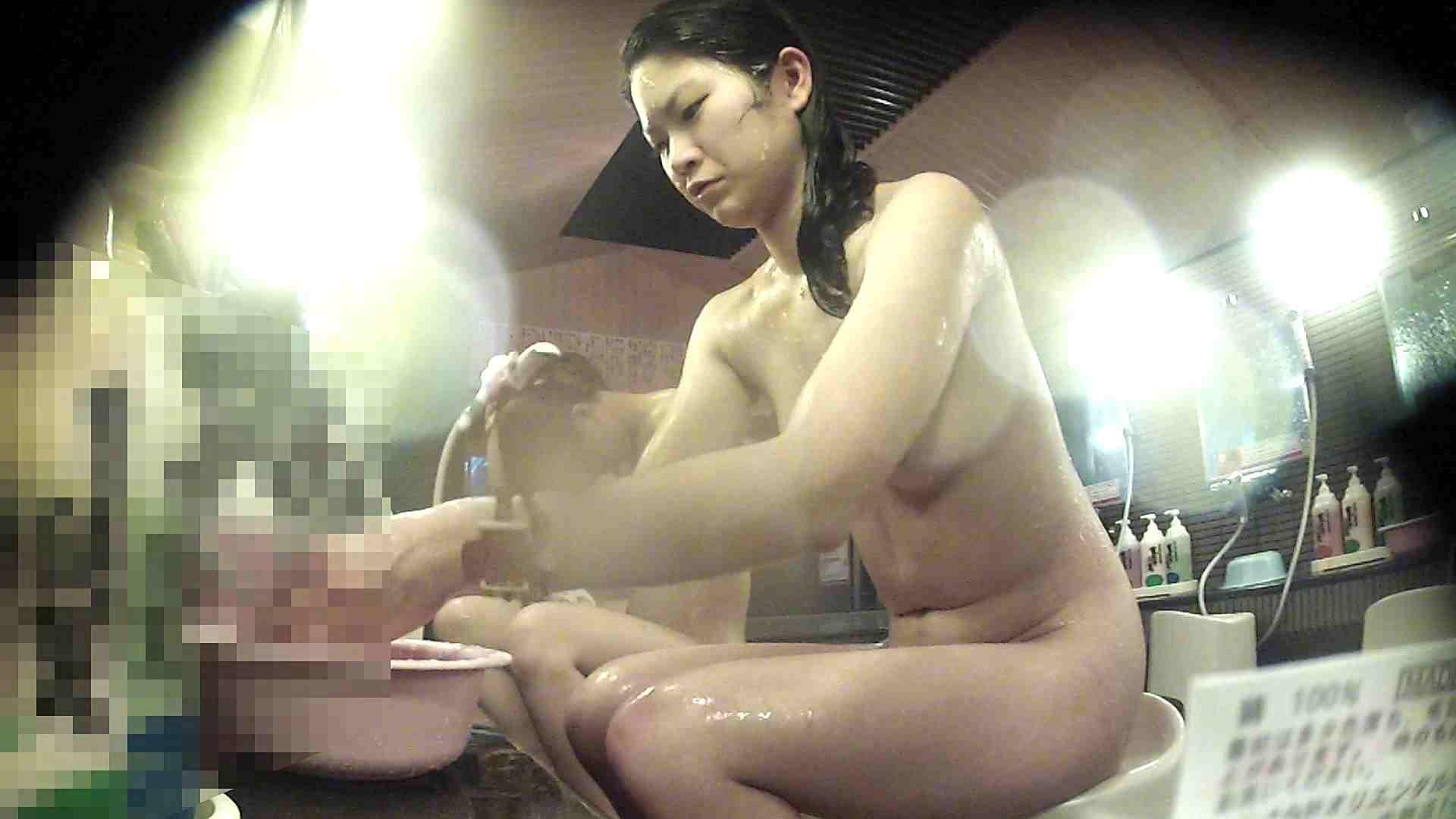 洗い場!お股の洗い方に好感が持てるお嬢さん 潜入シリーズ  94Pix 41