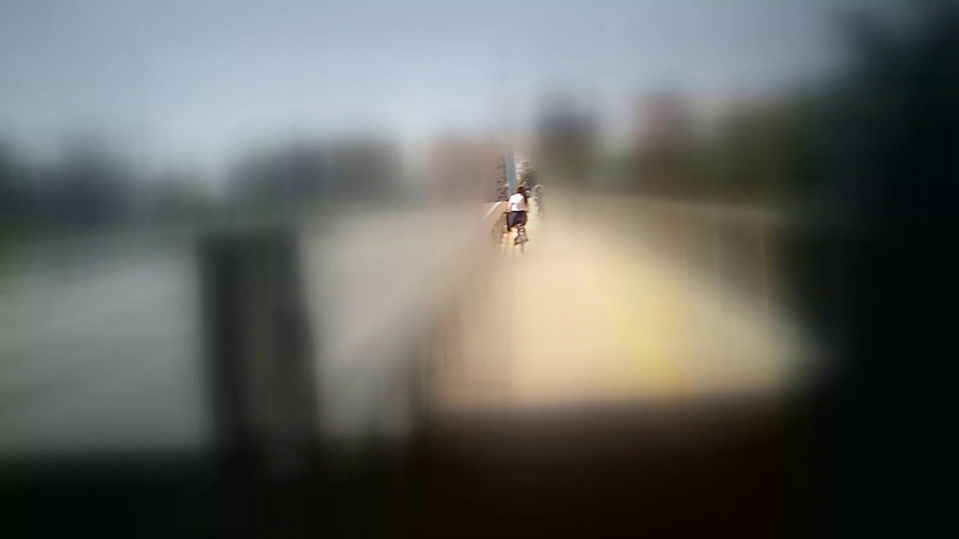 自転車パンチラ Vol.07 追跡  34Pix 13