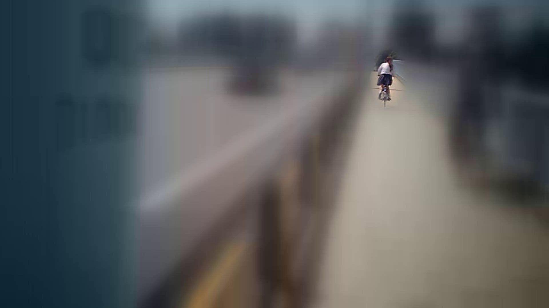 自転車パンチラ Vol.07 追跡  34Pix 14