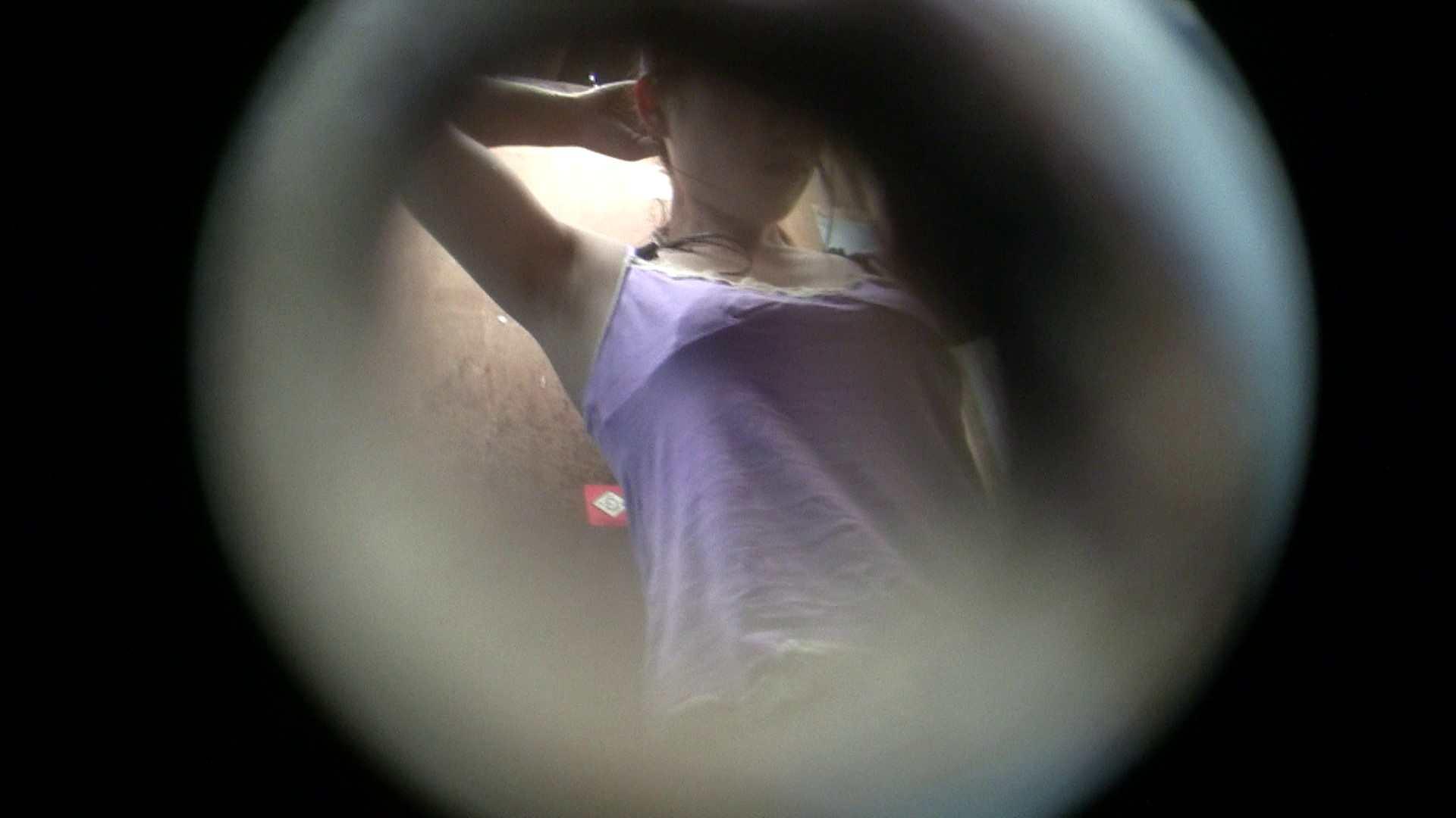 NO.01 胃下垂気味のへそピアスギャル 覗き  40Pix 2