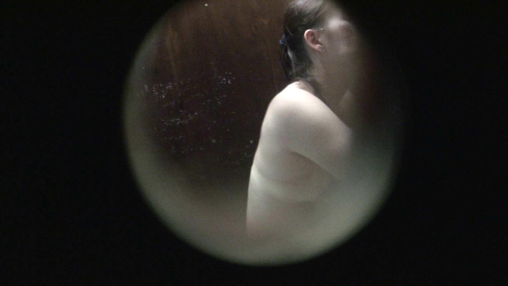 NO.01 胃下垂気味のへそピアスギャル 覗き  40Pix 33