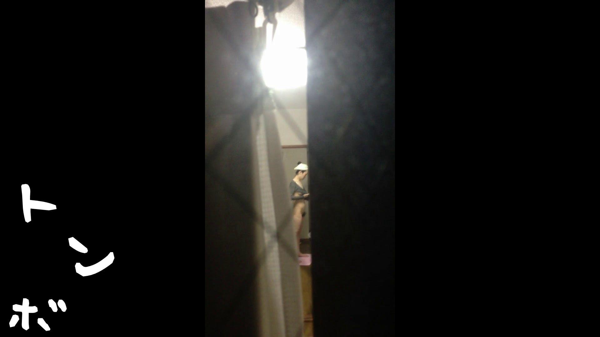 【リアル盗撮】元ジュディマリのYIUKI似 某歌手丸秘ヌード 潜入シリーズ  71Pix 42