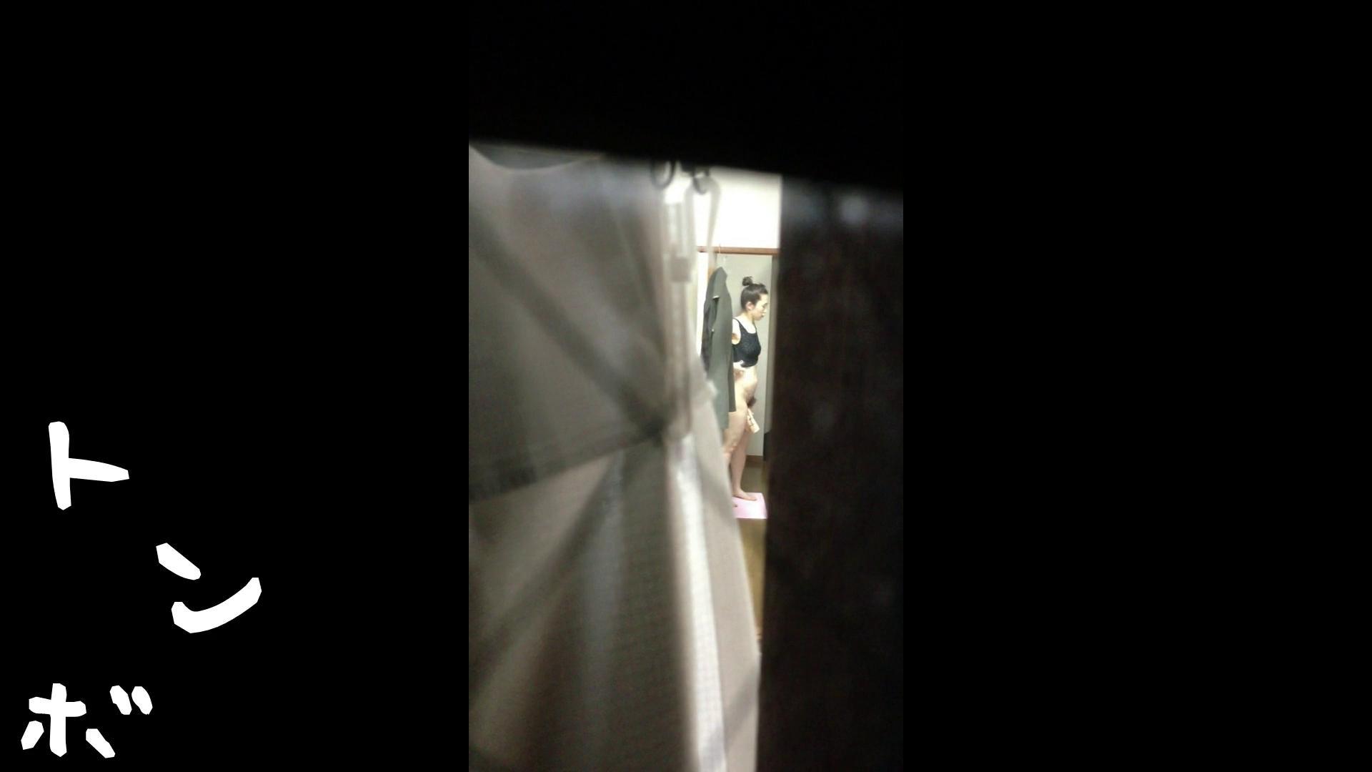 【リアル盗撮】元ジュディマリのYIUKI似 某歌手丸秘ヌード 潜入シリーズ  71Pix 46
