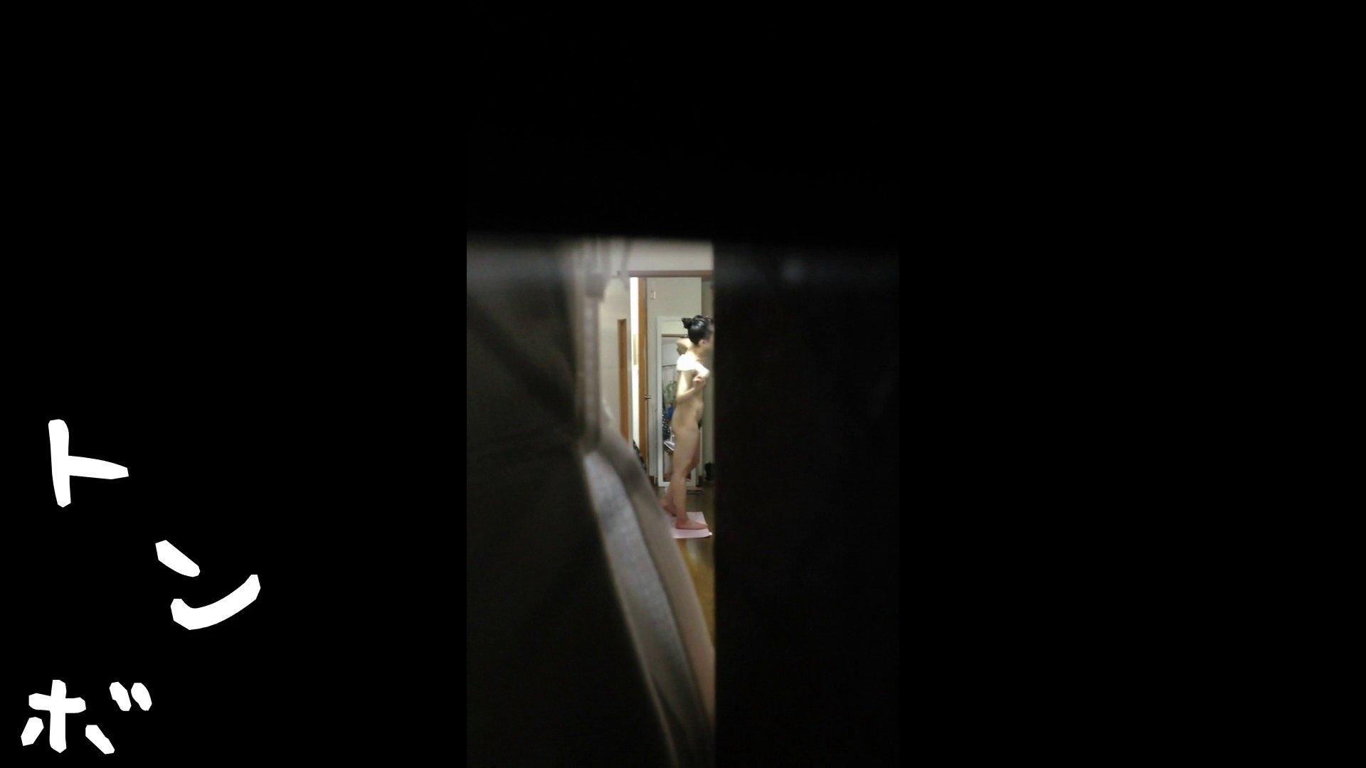 【リアル盗撮】元ジュディマリのYIUKI似 某歌手丸秘ヌード 潜入シリーズ  71Pix 55
