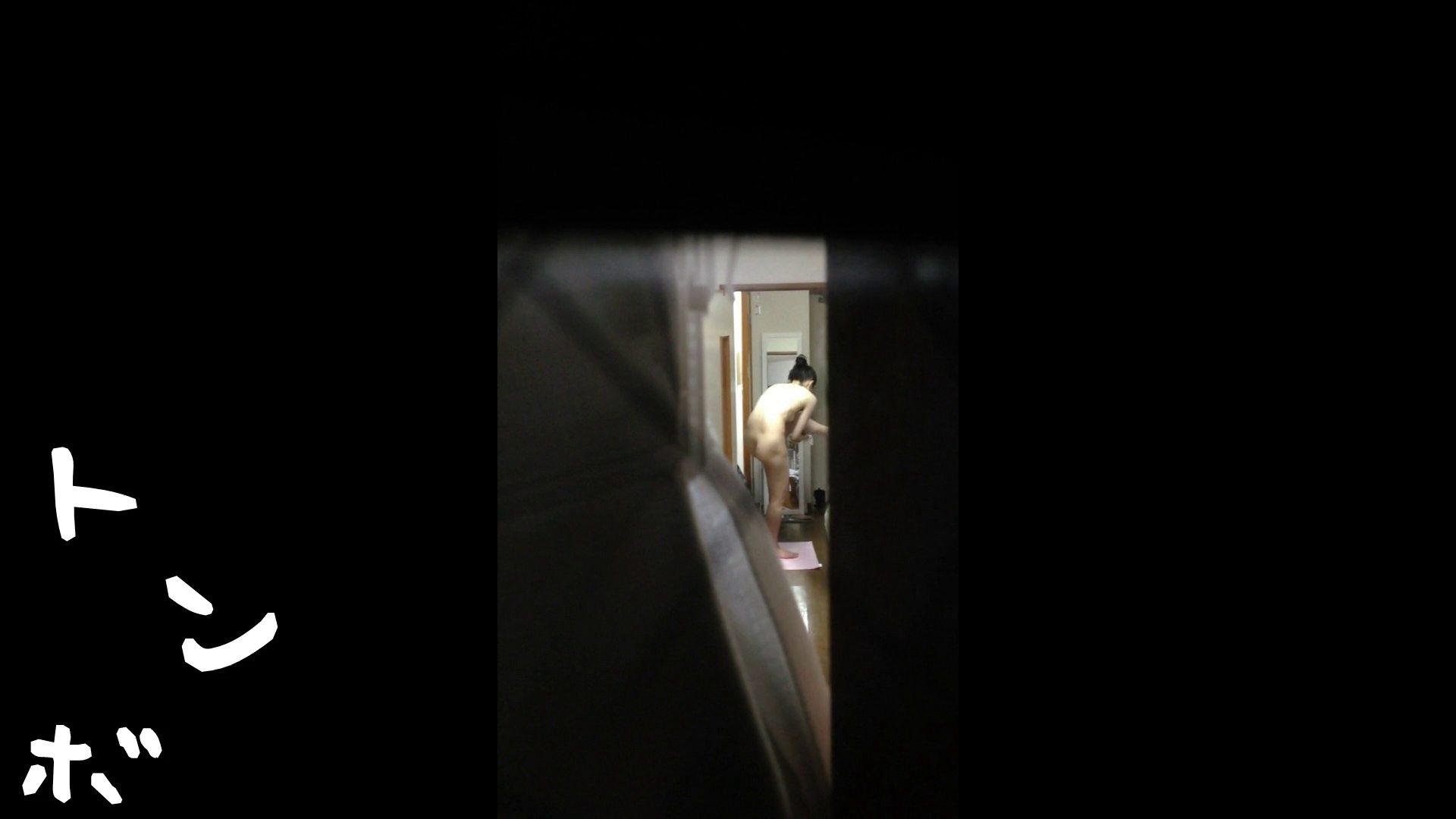 【リアル盗撮】元ジュディマリのYIUKI似 某歌手丸秘ヌード 潜入シリーズ  71Pix 56