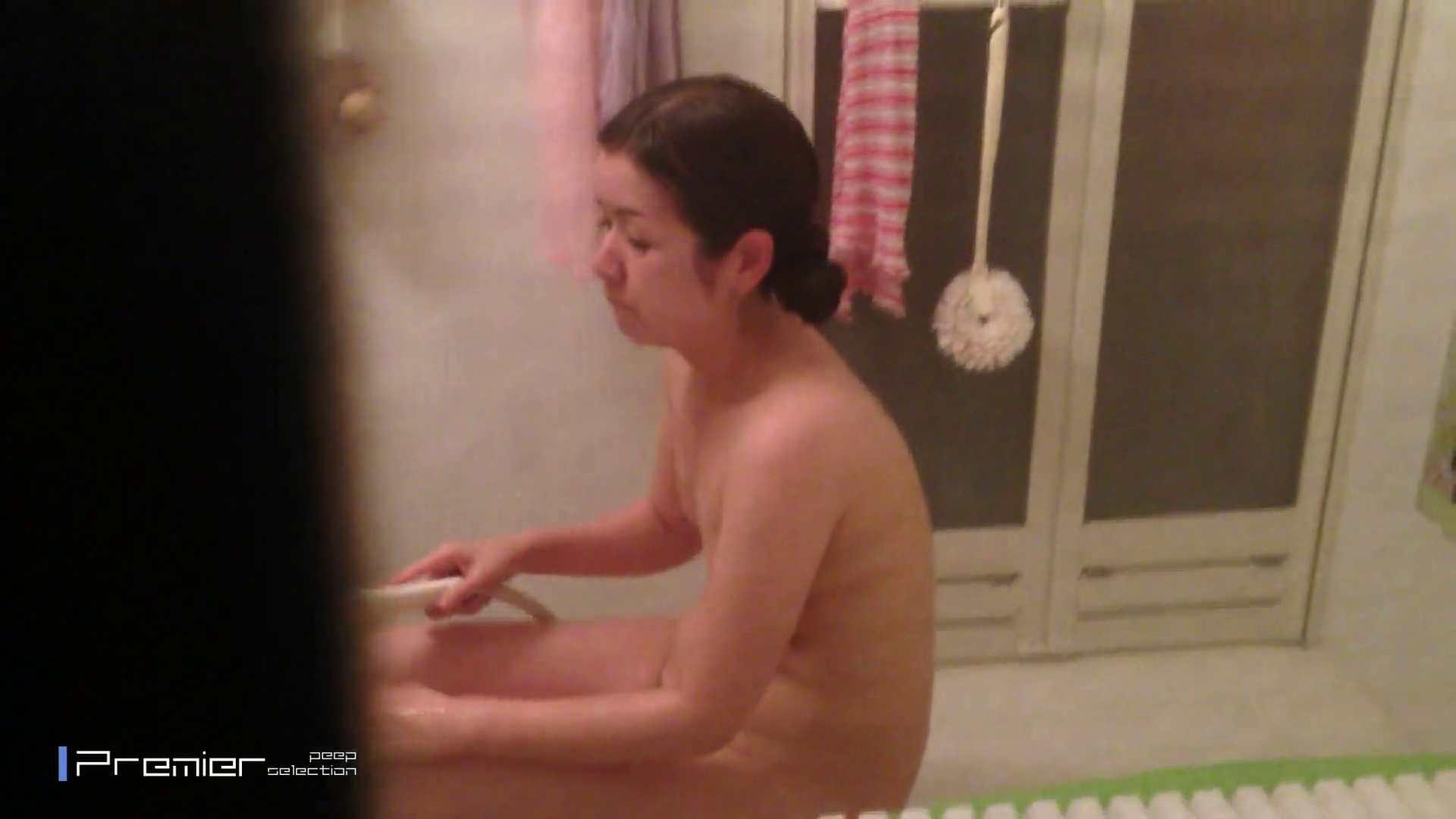 臨場感抜群!美人 OL の入浴シーン未公開版  美女達の私生活に潜入! 高画質  102Pix 22