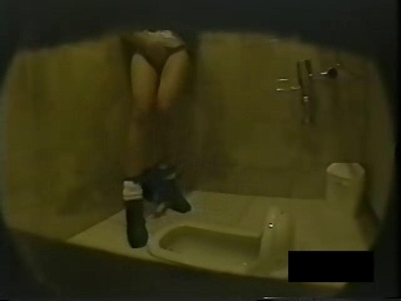 個室厠の秘密! 盗撮映像  108Pix 13